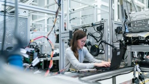Industrial And Manufacturing 2021: The Year For Additive, Digital Threads, And Industry 4.0