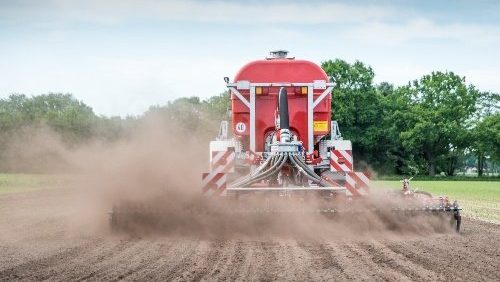 Precision Irrigation Carriage Reduces Water And Fertiliser Consumption